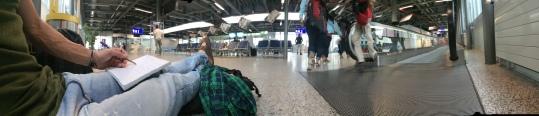 latalegadepan. aeropuerto de Ginebra
