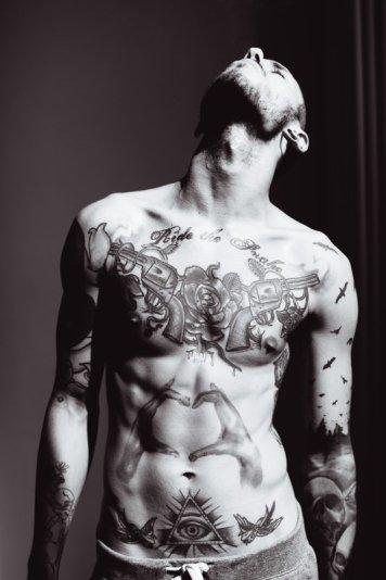 chico-tatuajes-sexys-49